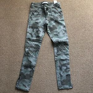 Camo Moto zip ankle skinnies